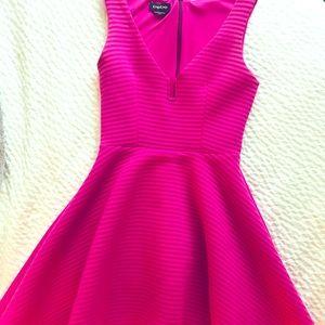 Bebe min dress